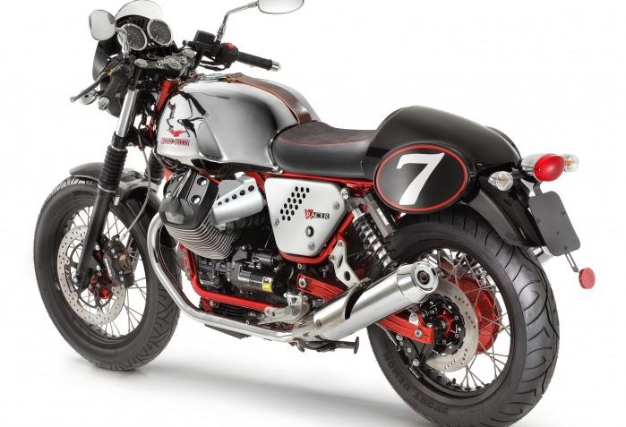 moto guzzi V7 racer back