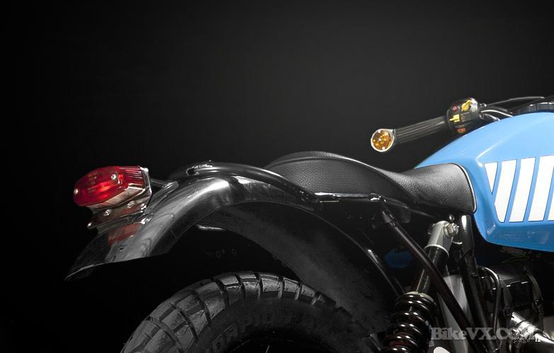 BMW R80 rear fender and backlight