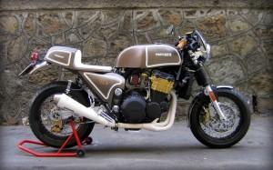 Triumph Trident Cafe Racer by Bruno Avvenente