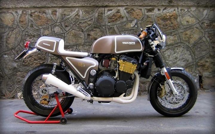 Triumph T300