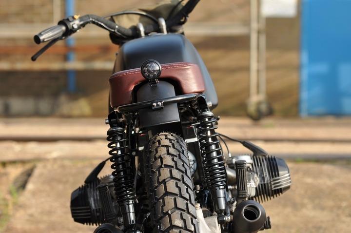 R80/7 the rear