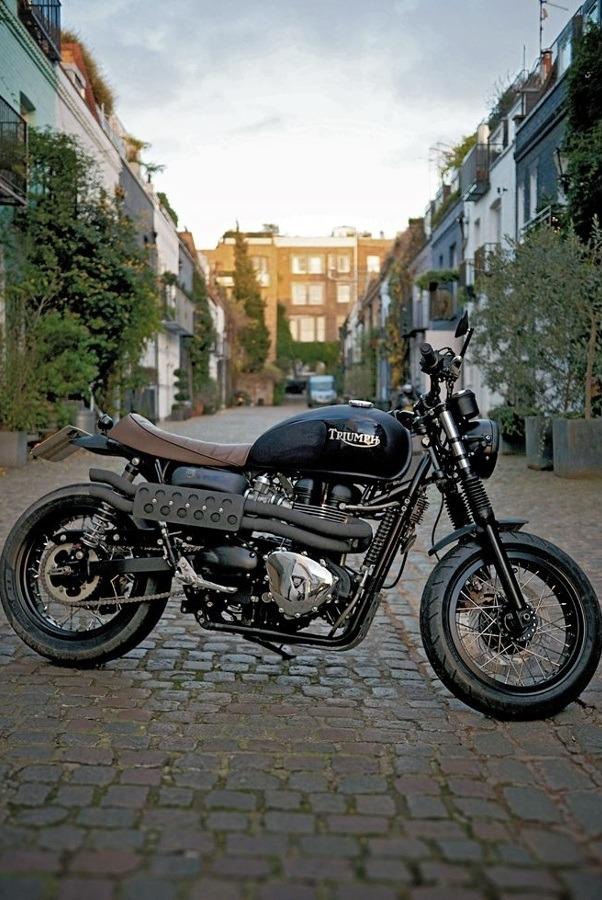 Triumph T100 retro style
