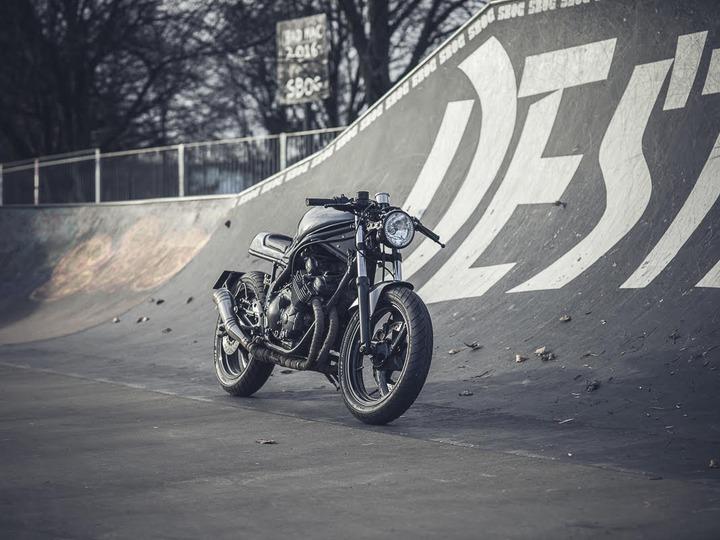 Morpheus Yamaha XJ600s Racer