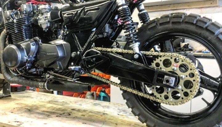 closer look at Kawasaki Z1000J