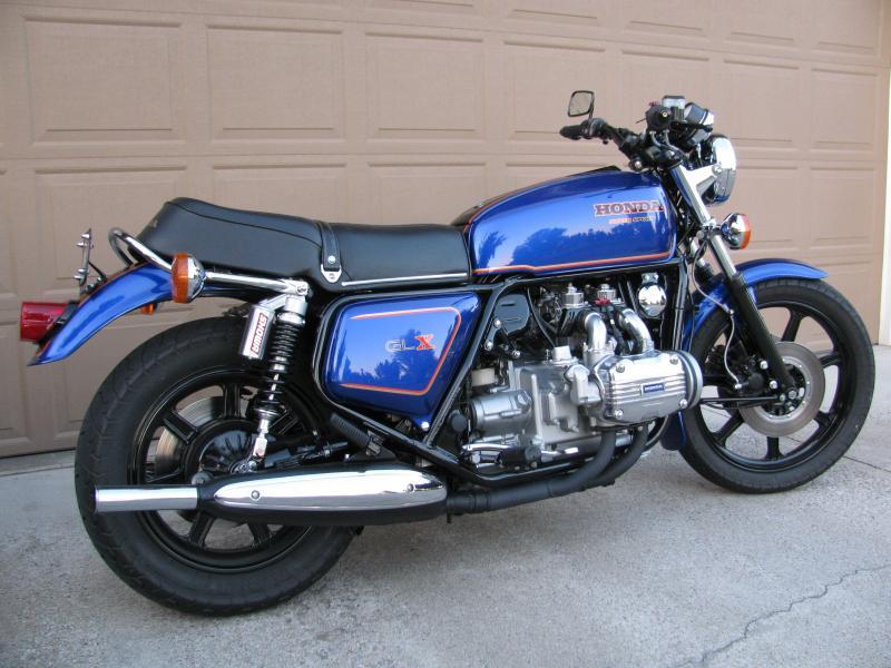 Honda GL1000 shiny blue