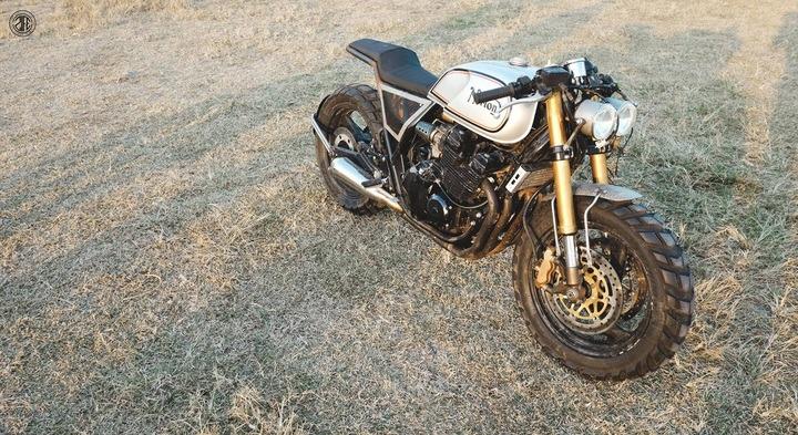 Yamaha caferacer by ZIFE Design