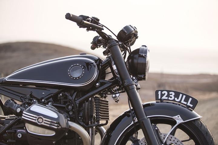 R9T custom classic